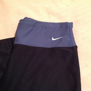 Nike Woman's Yoga Pants Dri-Fit Violet/Black XS